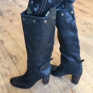 Heyraud tall black leather boots size 36